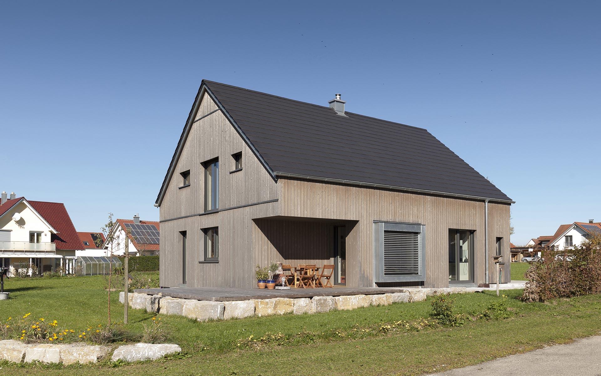Modernes Einfamilienhaus im Vollholzwandsystem Syno R®