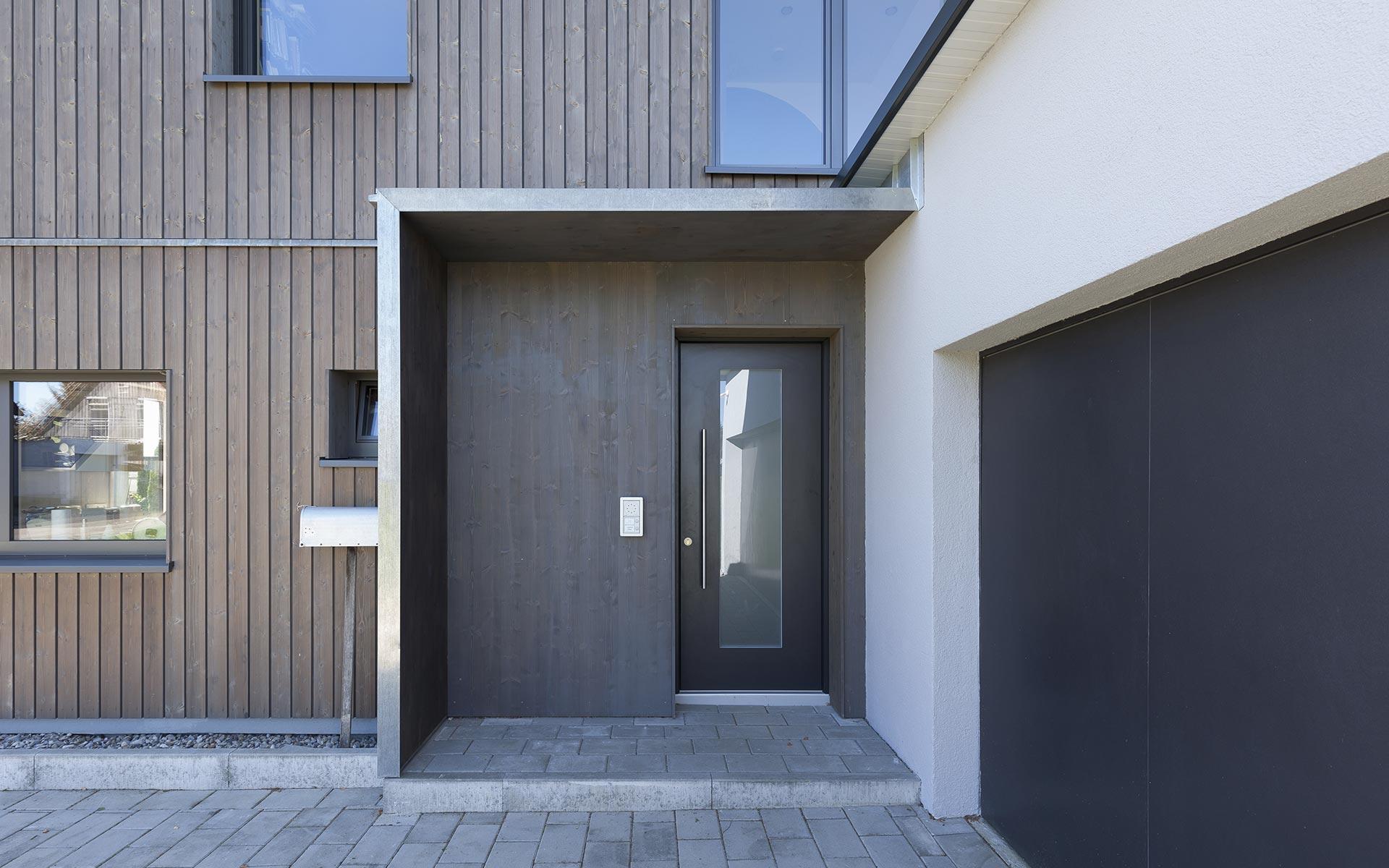 Modernes Einfamilienhaus im Vollholzwandsystem syno-r