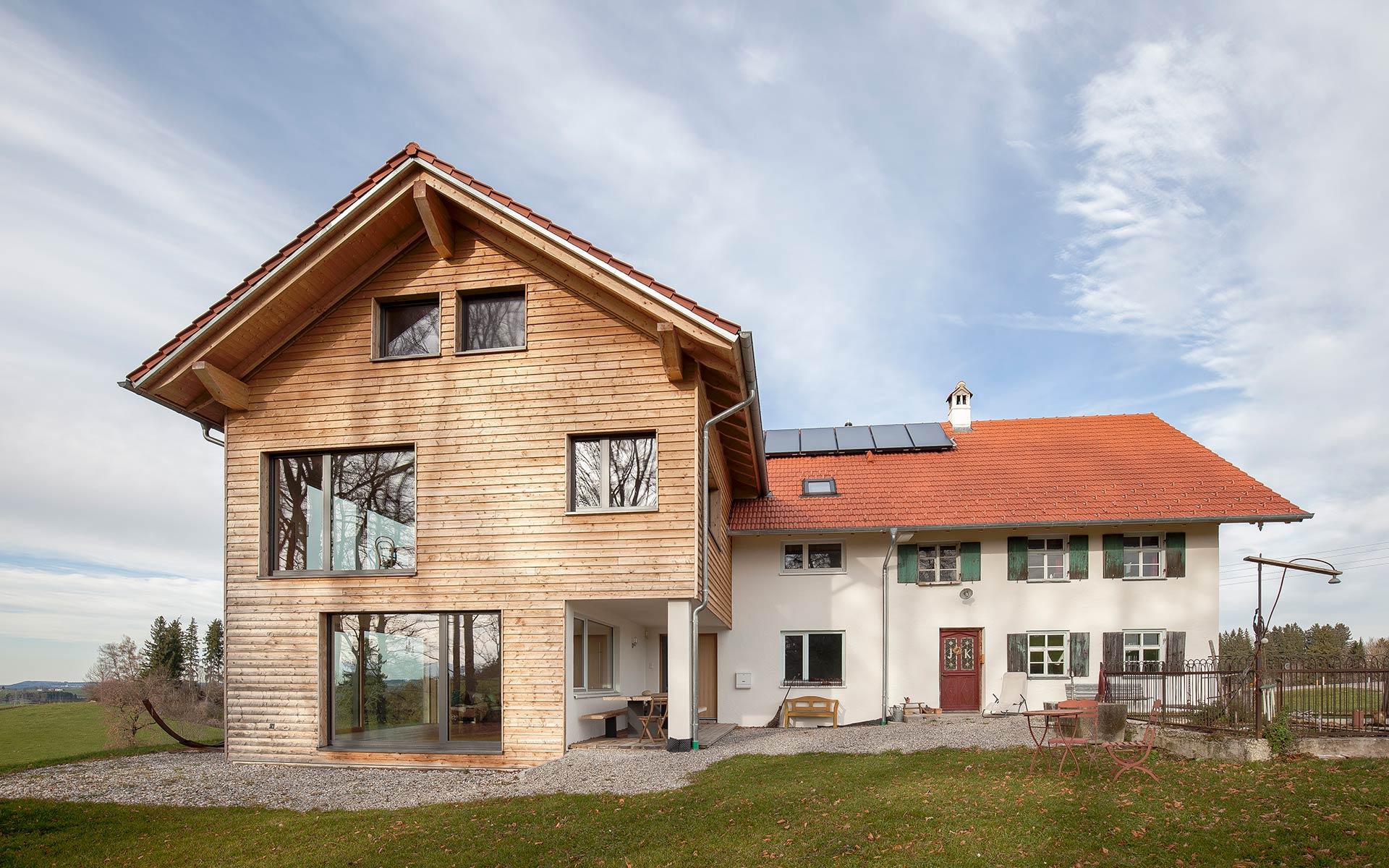 Wohnhaus mit Massivholzwänden