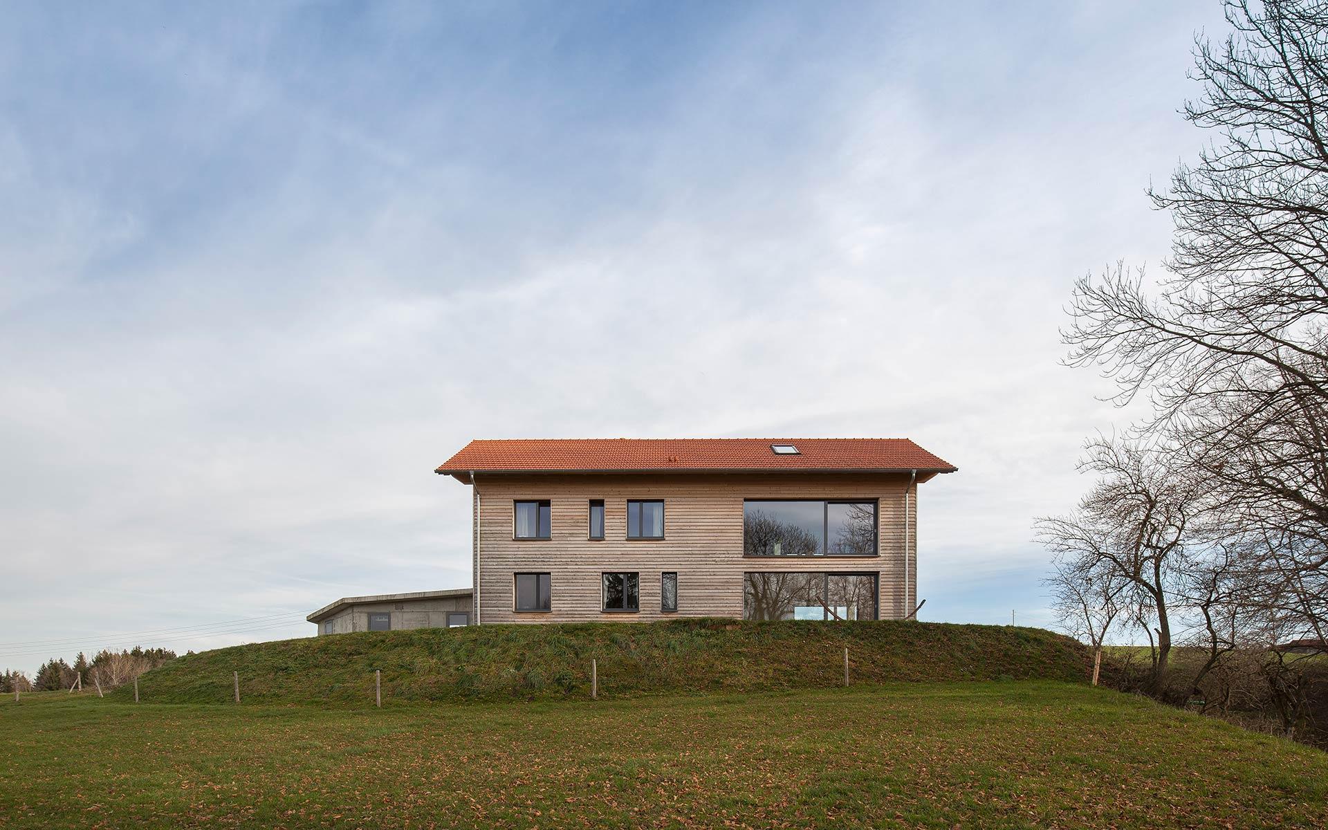 Einfamilienhaus im Vollholz-Wandsystem