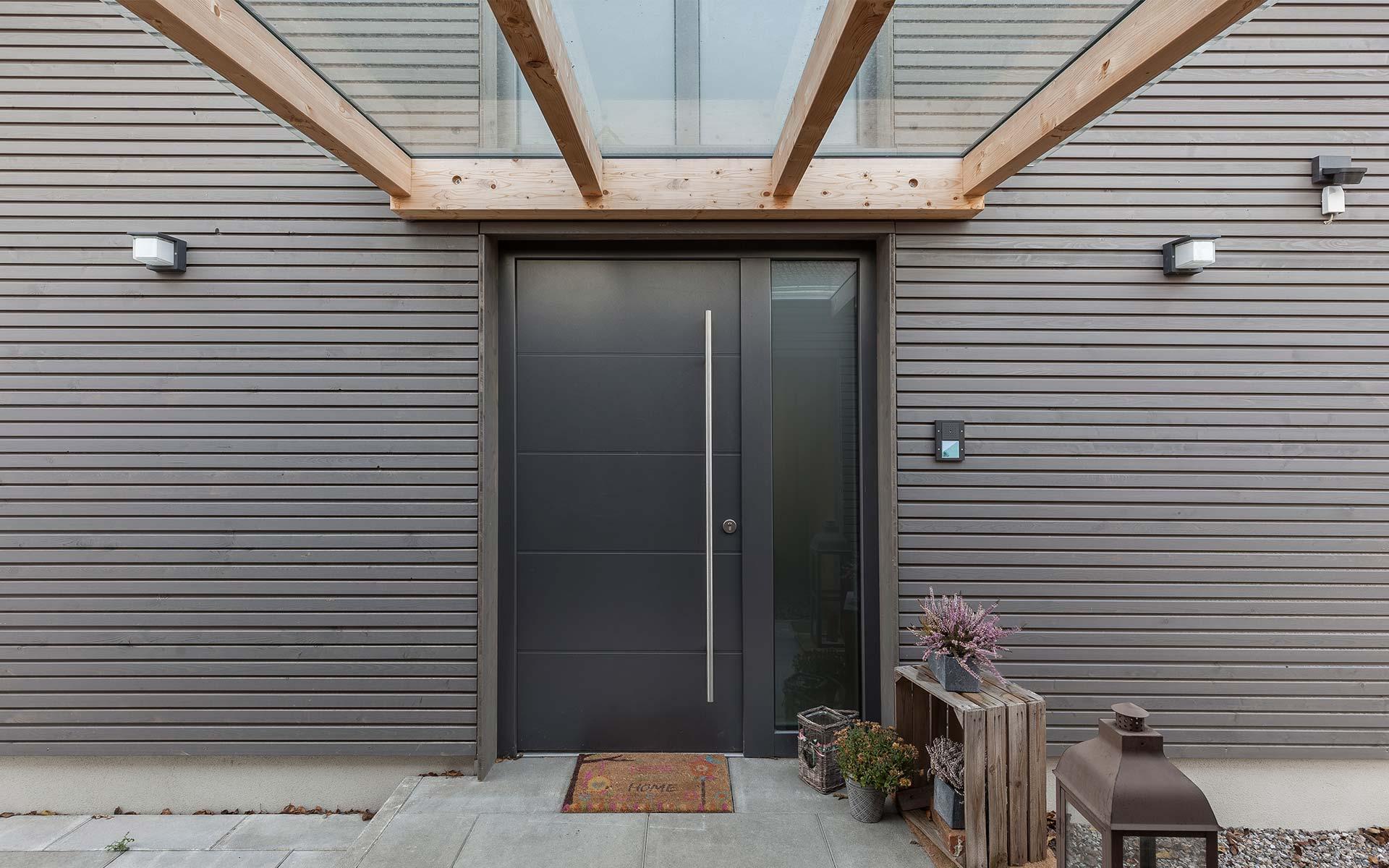 Eingangsbereich mit Vordach
